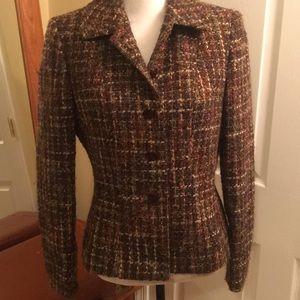 Nipped in waist tweed jacket so chic!